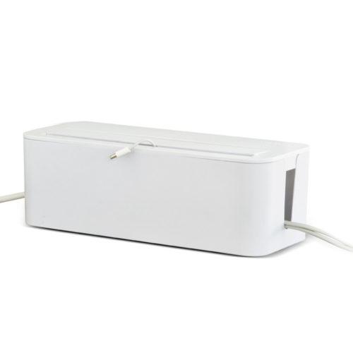 Houdt je bureau kabelvrij en laad je smartphone of tablet op.Plaats een stekkerdoos in de box. Leidt de snoertjes door de openingen in het deksel.